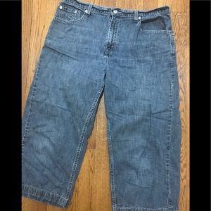 Levi's wide leg cropped jeans. Size 14.